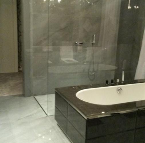 Bardiglio Imperiale – łazienka.