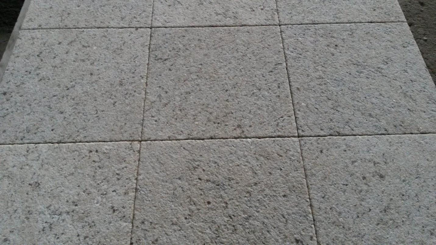 GIALLO BRASIL 30x30x3cm piskowane