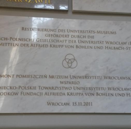 Bianco Carrara C – tablica pamiatkowa.